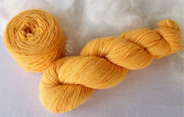 Laine shetland bio – teinture au coréopsis 1039-1040