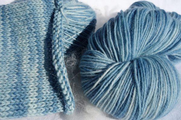 1152-1154-1155-1156 Laine à chaussettes. Laine mérinos et nylon. Teinture indigo