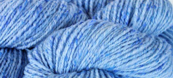 Laine filée mérinos (tweed) – teinture écologique. 1179-1180