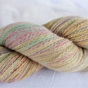 Laines filées mérinos et soie – couleurs pastel 173