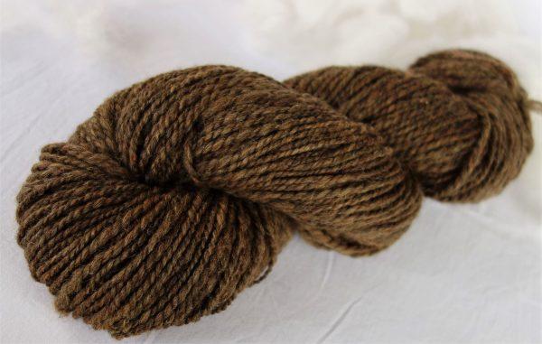 Laine filée mérinos, couleur naturelle marron 674