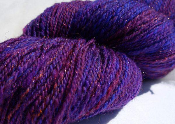 Laine filée mérinos violette et bleue, glitz 1254