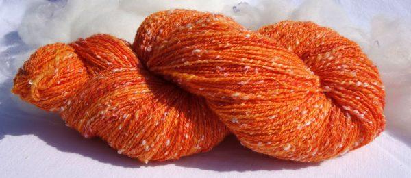 Laine filée mérinos, tweed (viscose) Teinture éco-responsable. 1300